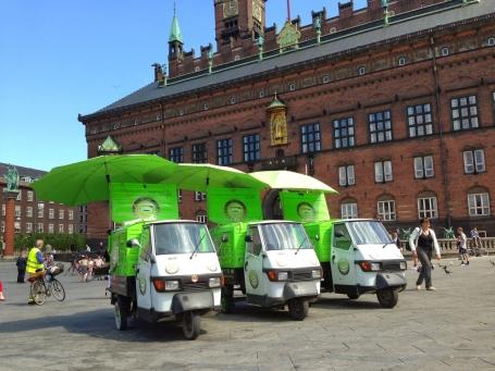 Three coffee scooters at the Copenhagen Cityhall square - Kalles Kaffe